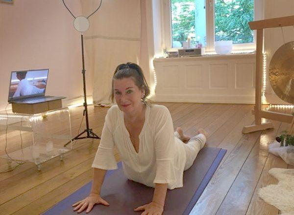 Online-Yoga: Gemeinsam stark